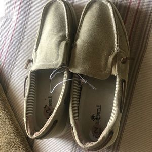 Mens casual loafers NWOT